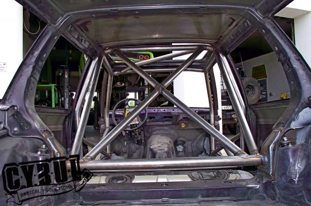 BMW 3 series E30 roll cage by Cybul
