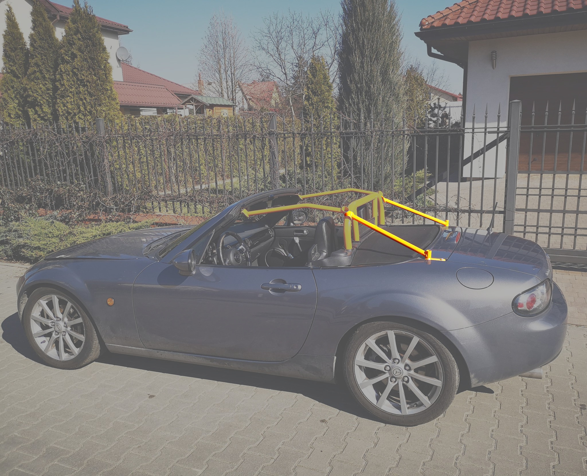 Mazda MX-5 NC roll bar rear extension